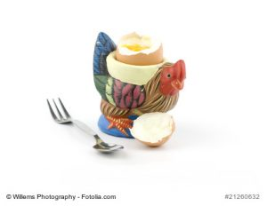 Chicken shaped egg holder