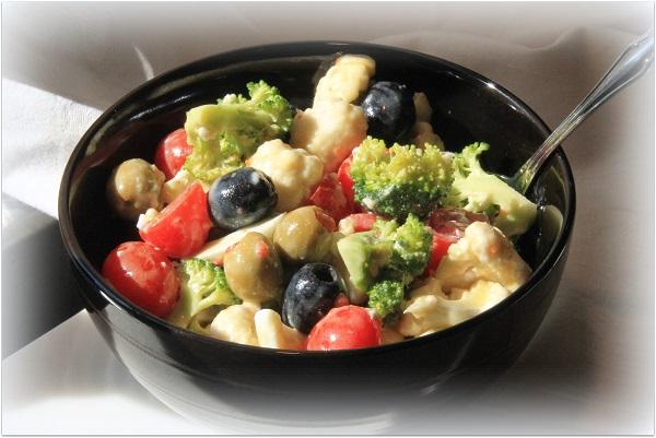 Cauliflower and Broccoli lunch salad