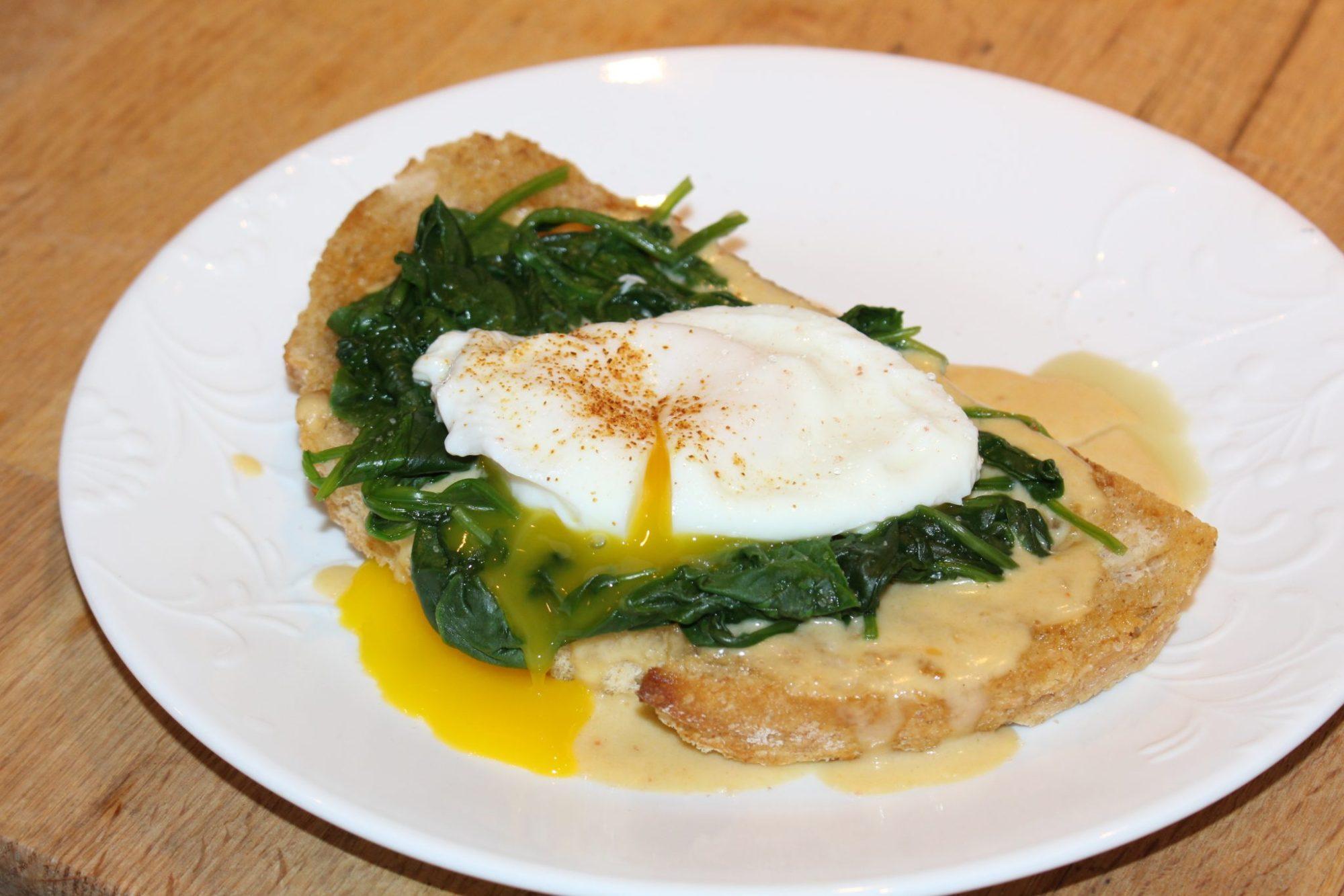 Buck Rarebit - Welsh Rarebit with egg and spinach